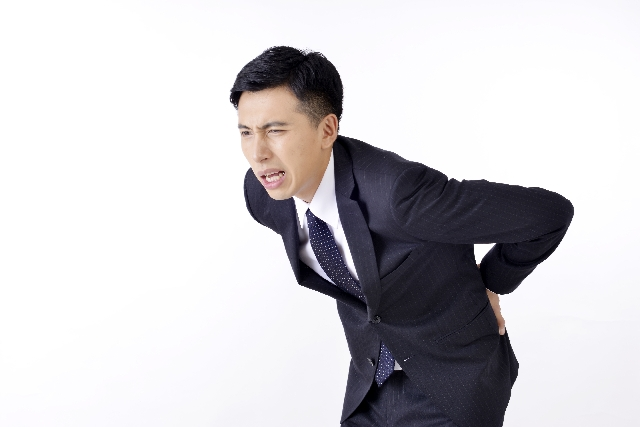 腰痛克服 腰痛の男性