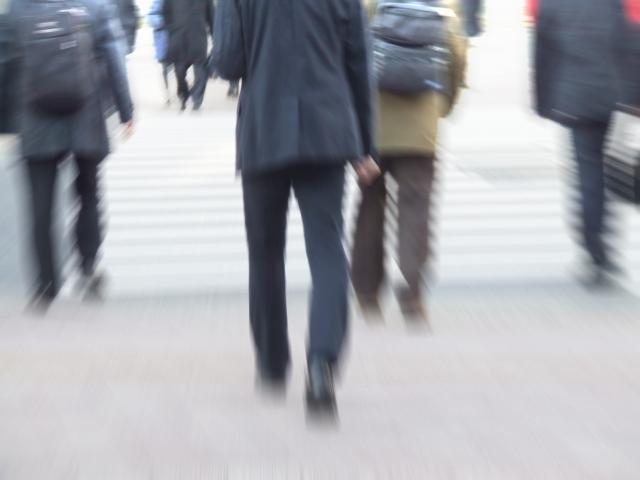 腰痛克服 立って歩く