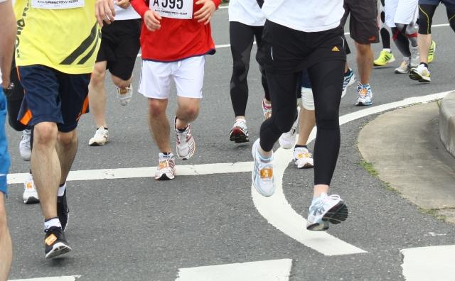 腰痛克服 継続して走るマラソンランナー